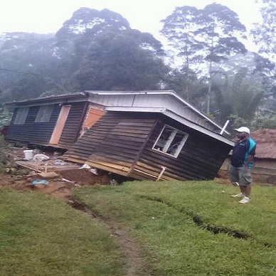 Consequences of M7.5 earthquake in Papua New Guinea-pictures