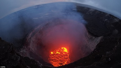 Striking image shows the entire north portion of the crater in the Mount Kilauea volcano